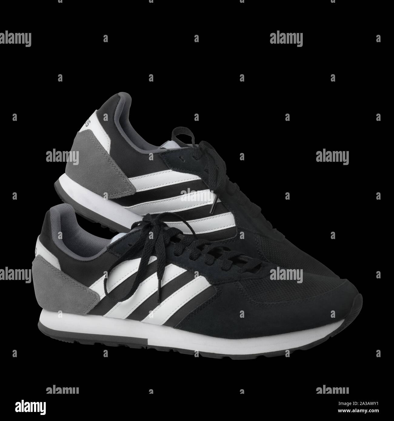 Adidas Schuhe StockfotosAdidas Schwarz Weiß Weiß Schwarz by76fg
