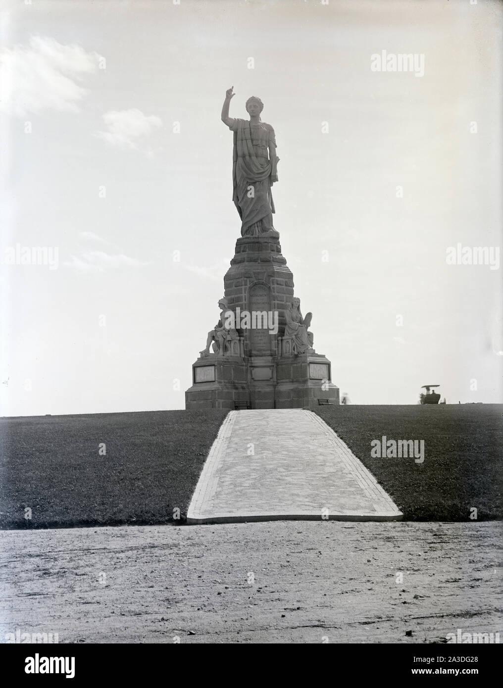 Antike 1902 Foto, das nationale Monument der Vorväter in Plymouth, Massachusetts. Quelle: ORIGINAL GLAS NEGATIVE Stockfoto