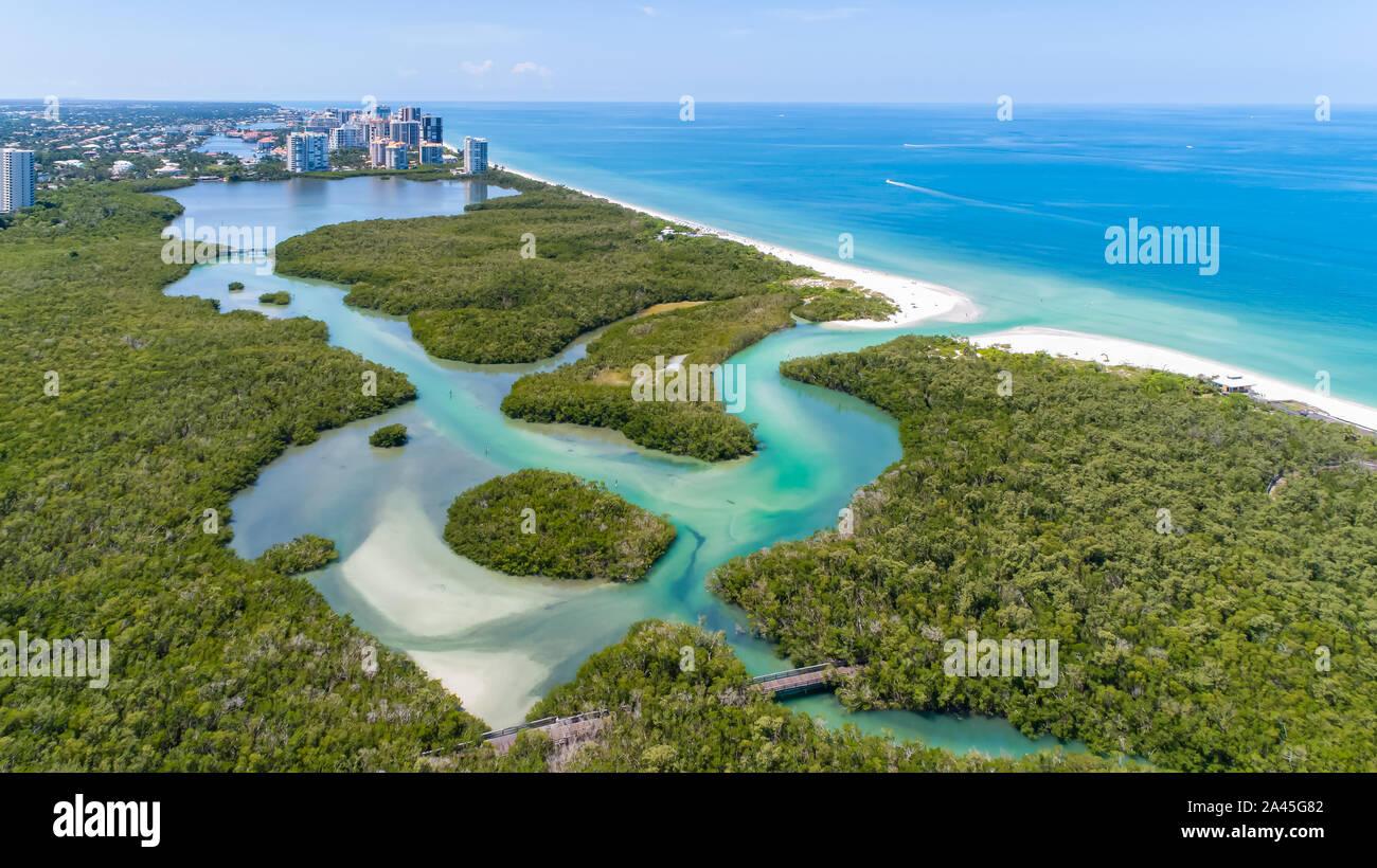 Pelican Bay Area von Naples im Südwesten Florida in der Nähe von Fort Myers und Marco Island, beliebtes Ziel für wohlhabende Menschen, die in den Vereinigten Staaten Stockfoto