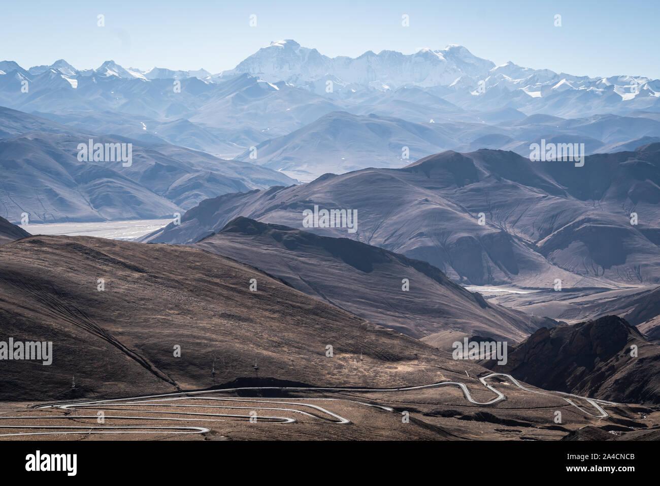 Atemberaubende Aussicht auf den Himalaya Gebirge mit dem Cho Oyu Peak von den Pang La Pass in Tibet, China Stockfoto