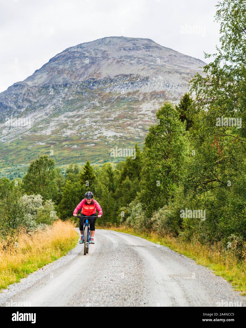 Frau, Radfahren Stockfoto