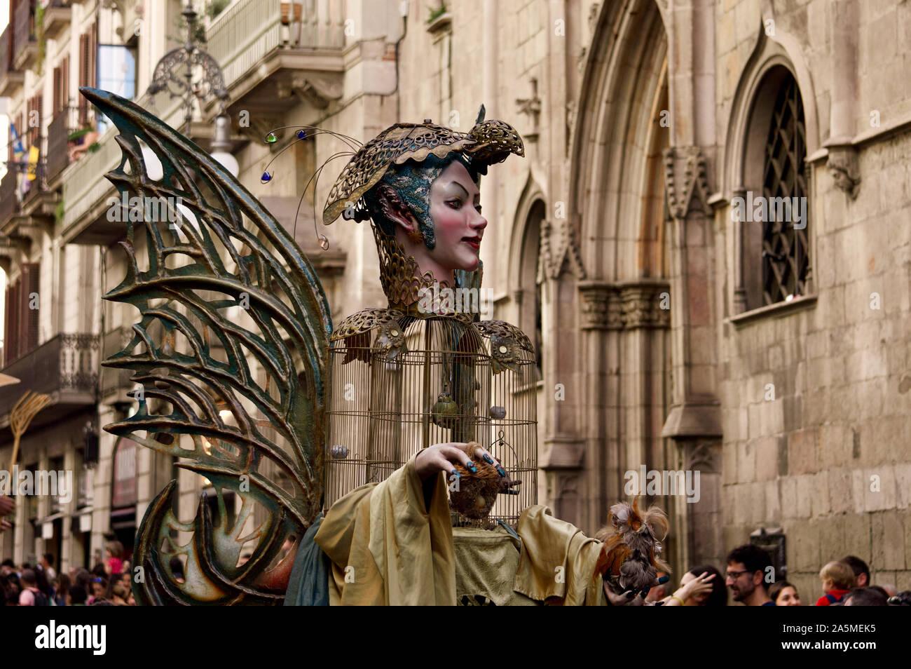 Die Riesen Parade während La Merce Festival 2019 am Placa de Sant Jaume in Barcelona, Spanien Stockfoto