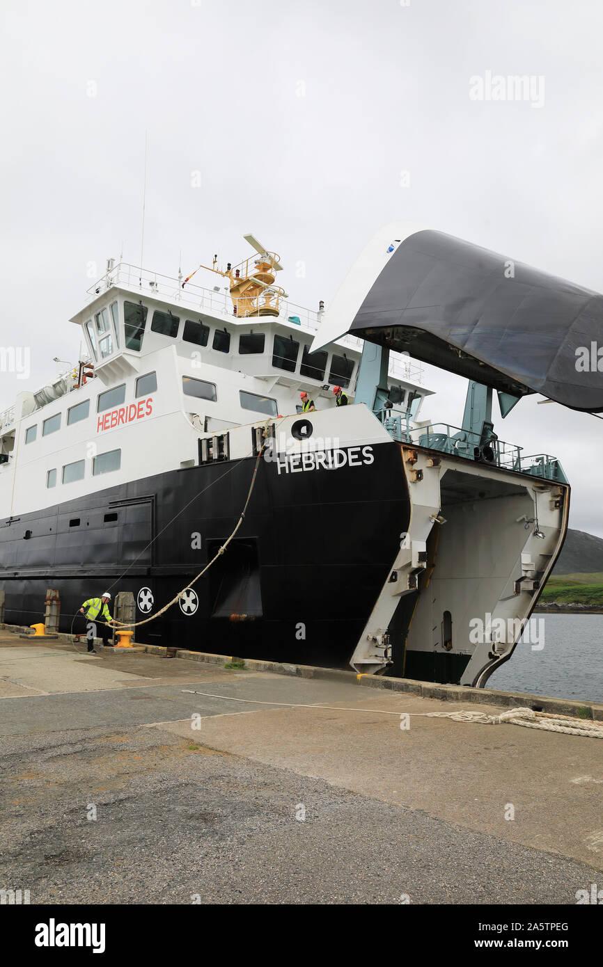Fähre in Lochmaddy Ferry Terminal ankommen, auf North Uist, auf den Äußeren Hebriden, von Uig auf der Isle of Skye, in der Inneren Hebriden, im Westen Scotlan Stockfoto