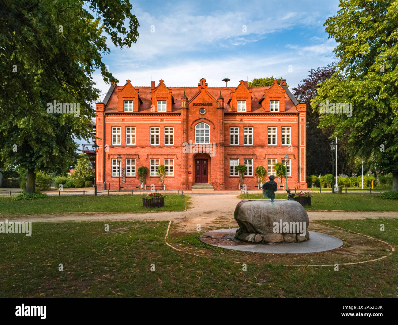 Blick auf das historische Rathaus der Stadt Dargun, Mecklenburg-Vorpommern, Deutschland, Europa. Stockfoto