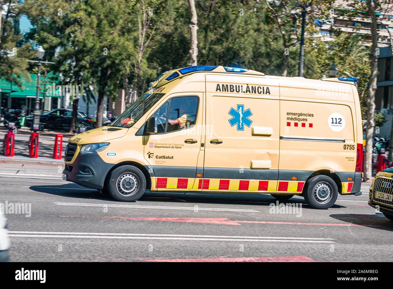 Spanien Barcelona Katalonien Catalunya Les Corts Avinguda Diagonal Notfahrwagen Spanien Europa EU Eurozone Stockfoto