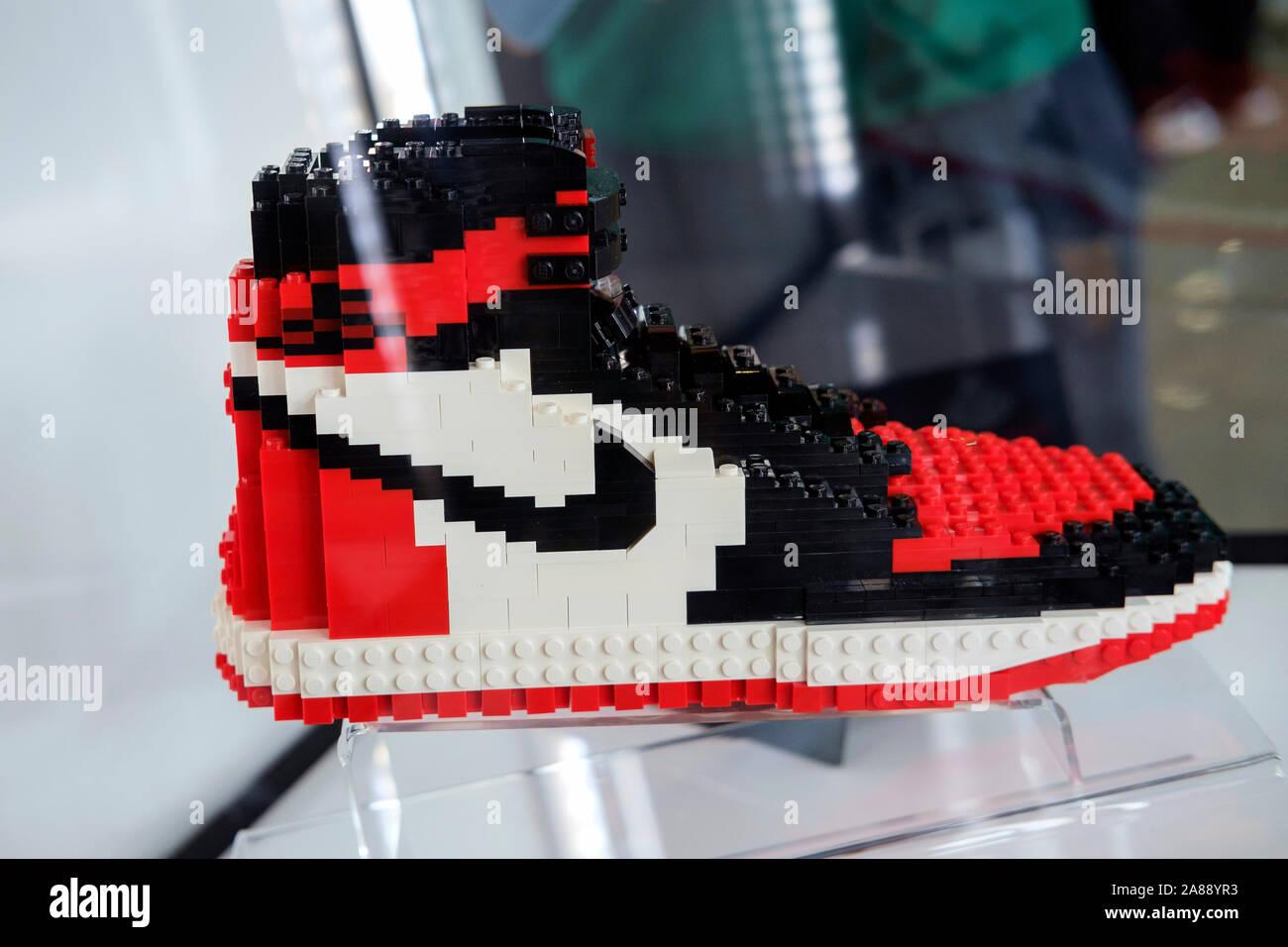 Nike Training Shoes Stockfotos & Nike Training Shoes Bilder