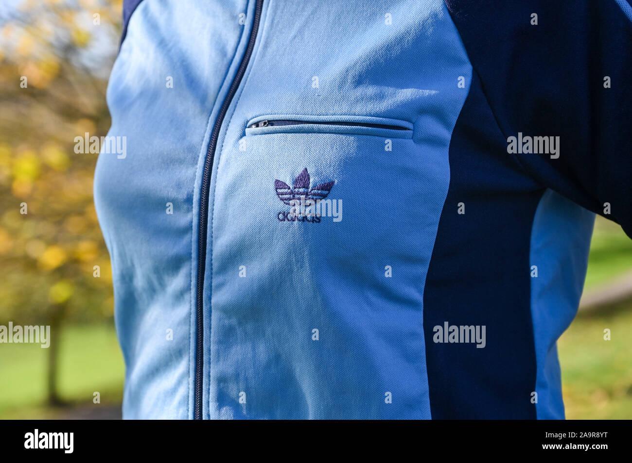 Adidas Oldschool Trainingsanzug Hose Stockfoto, Bild