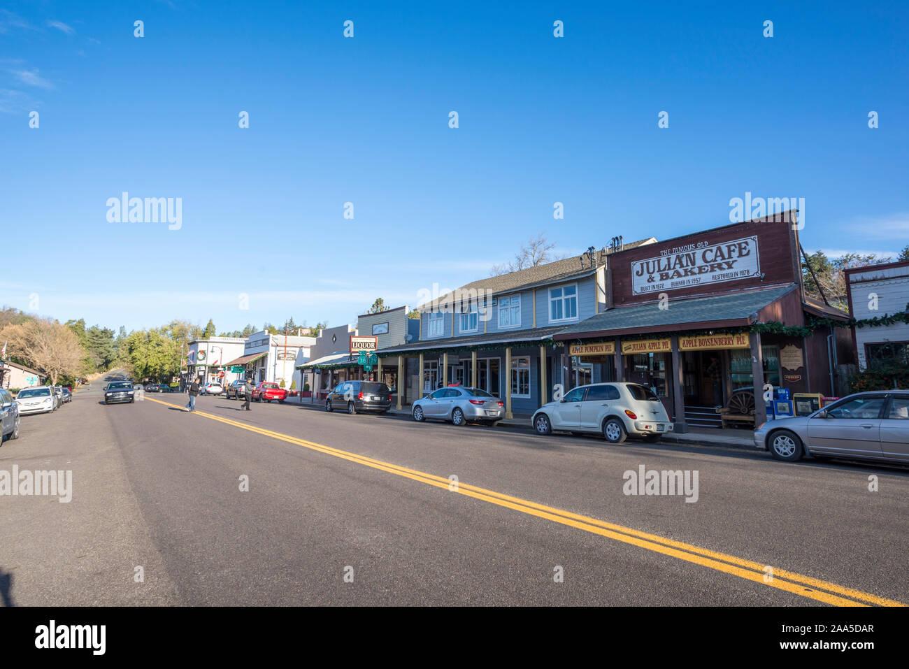 November Morgen in Julian, Kalifornien. Ansicht von entlang der Main St. Stockfoto