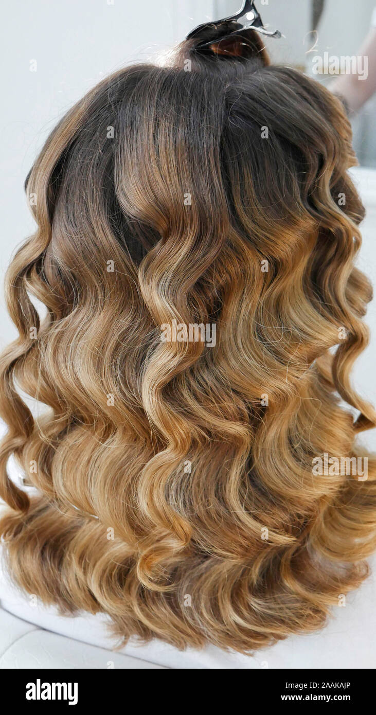 Lange gesunde Haare in der Friseur Stockfoto