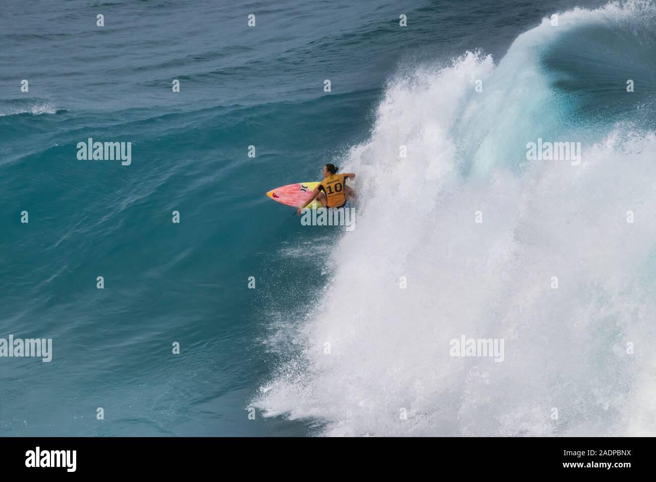 Carissa Moore gewann den 2019 Frauen surfen Titel im Maui Pro Surf Wettbewerb. Stockfoto