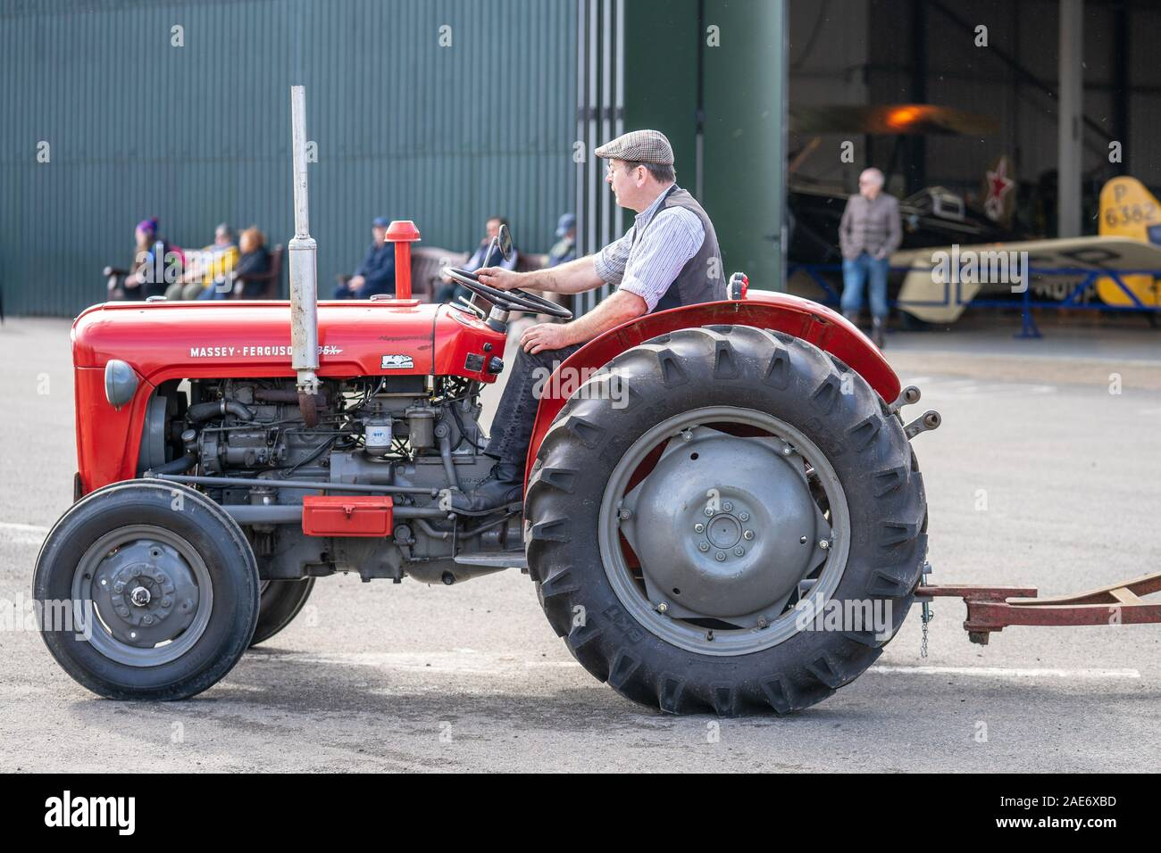 OLD WARDEN, BEDFORDSHIRE, Großbritannien, Oktober 6, 2019. Massey Ferguson beschränkt ist ein amerikanischer Hersteller von landwirtschaftlichen Geräten Stockfoto