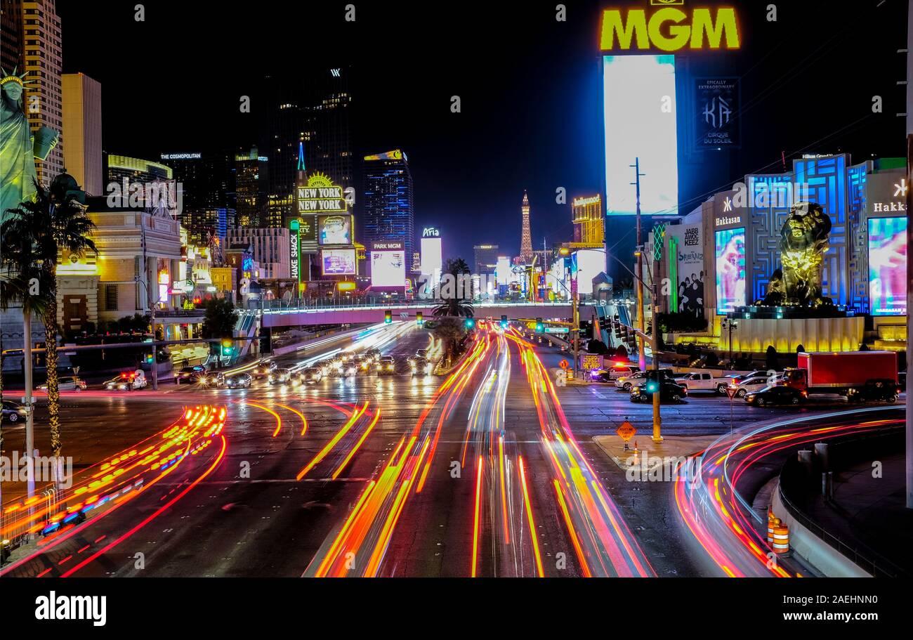 Lange Belichtung Geschossen des Las Vegas Strip bei Nacht, Las Vegas, Nevada. Stockfoto