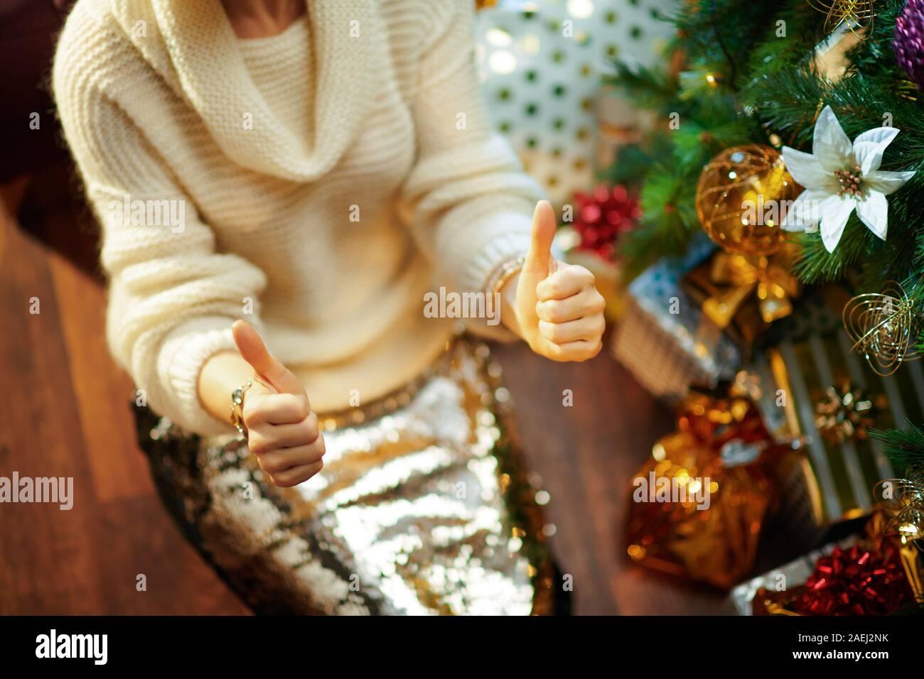 Luxus Gold /& Creme Schneemann Weihnachtsbaum Rock 107cm Schürze Dekoration