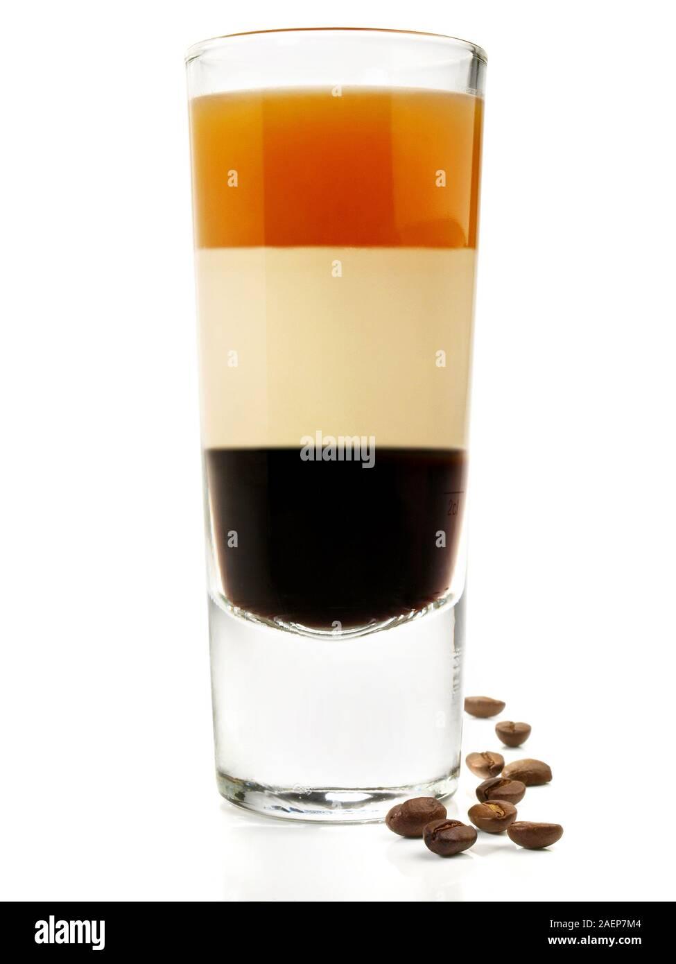 B52 Cocktail auf weißem Hintergrund Stockfoto