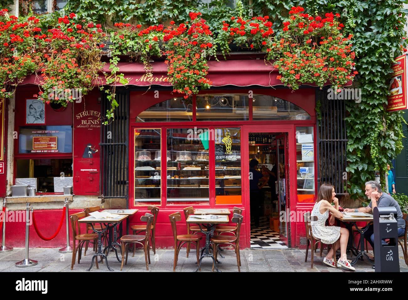 Terrasse, Le Marais, Paris, Frankreich Stockfoto