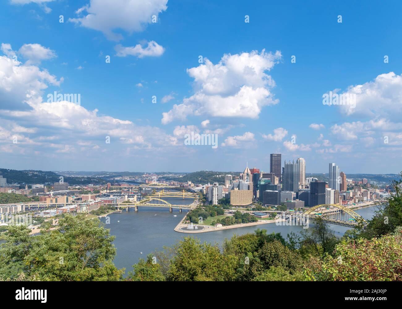 Blick auf die Skyline der Innenstadt von Points of View Park auf Grandview Avenue, Pittsburgh, Pennsylvania, USA Stockfoto