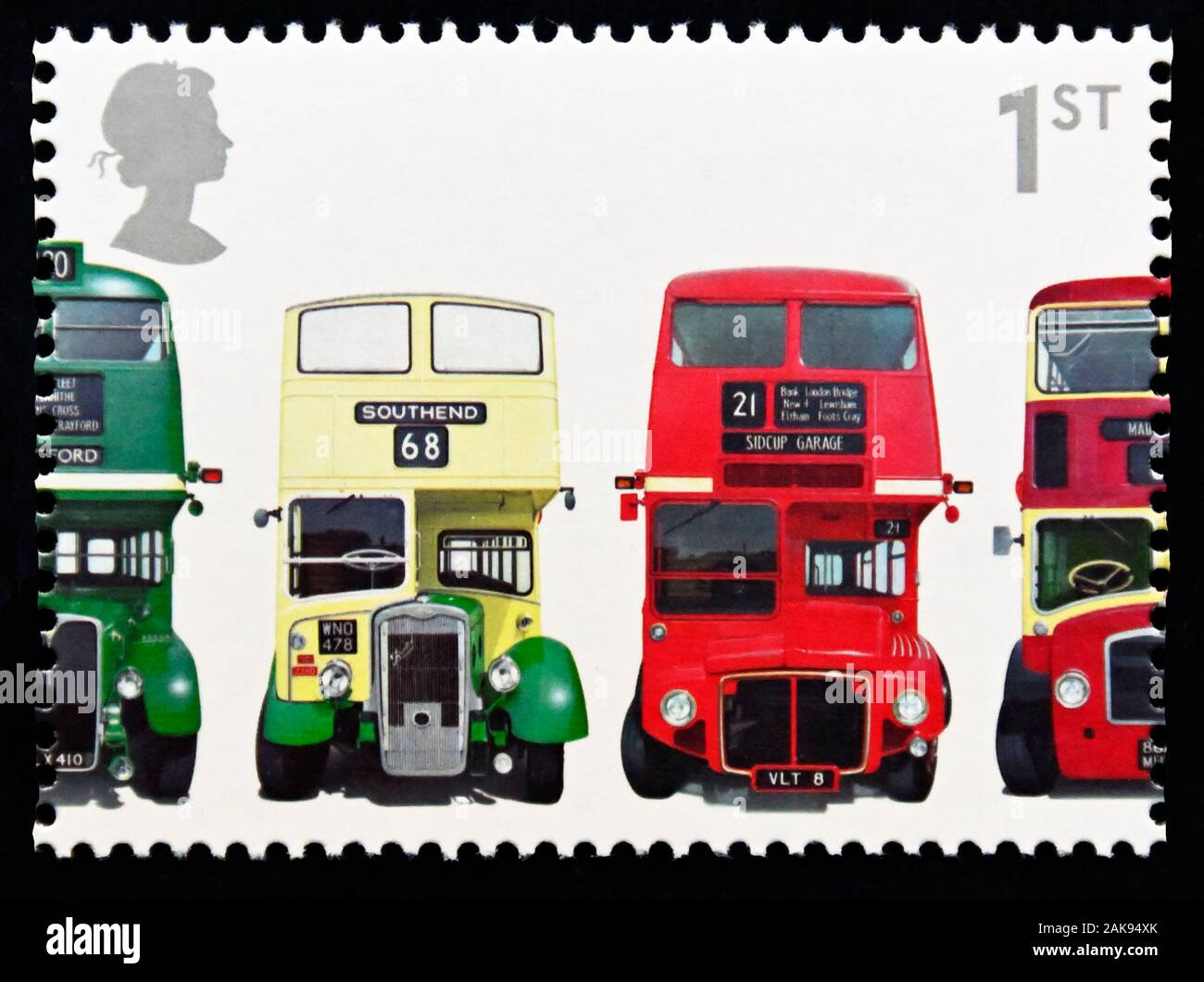 Briefmarke. Großbritannien. Königin Elizabeth II. Zum 150jährigen Jubiläum der ersten Doppeldecker Bus. 1. Klasse. 2001. Stockfoto