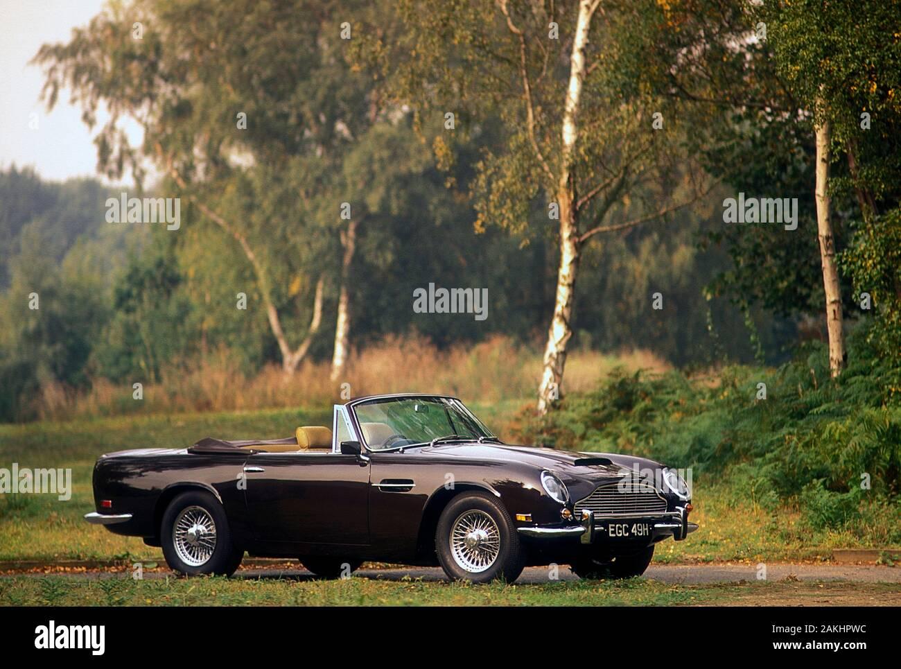 Aston Martin Volante Stockfotos Und Bilder Kaufen Alamy