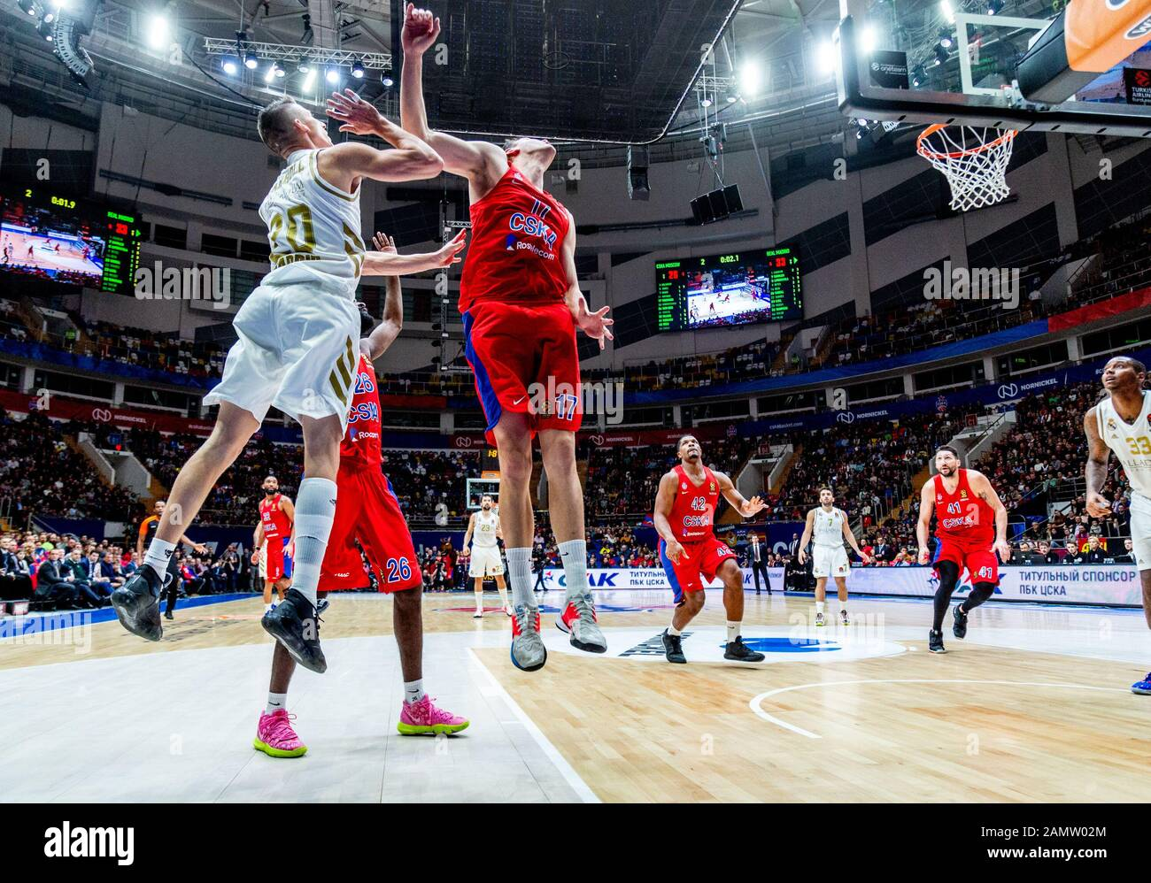 Moskau, Russland. Januar 2020. #20 Jaycee Carroll von Real Madrid im Einsatz gegen CSKA Moskau während der regulären Saison 2019/2020 Turkish Airlines Euroleague Runde 19 in der Megasport Arena.(Endstand: CSKA Moskau 60 - 55 Real Madrid) Credit: Sopa Images Limited/Alamy Live News Stockfoto