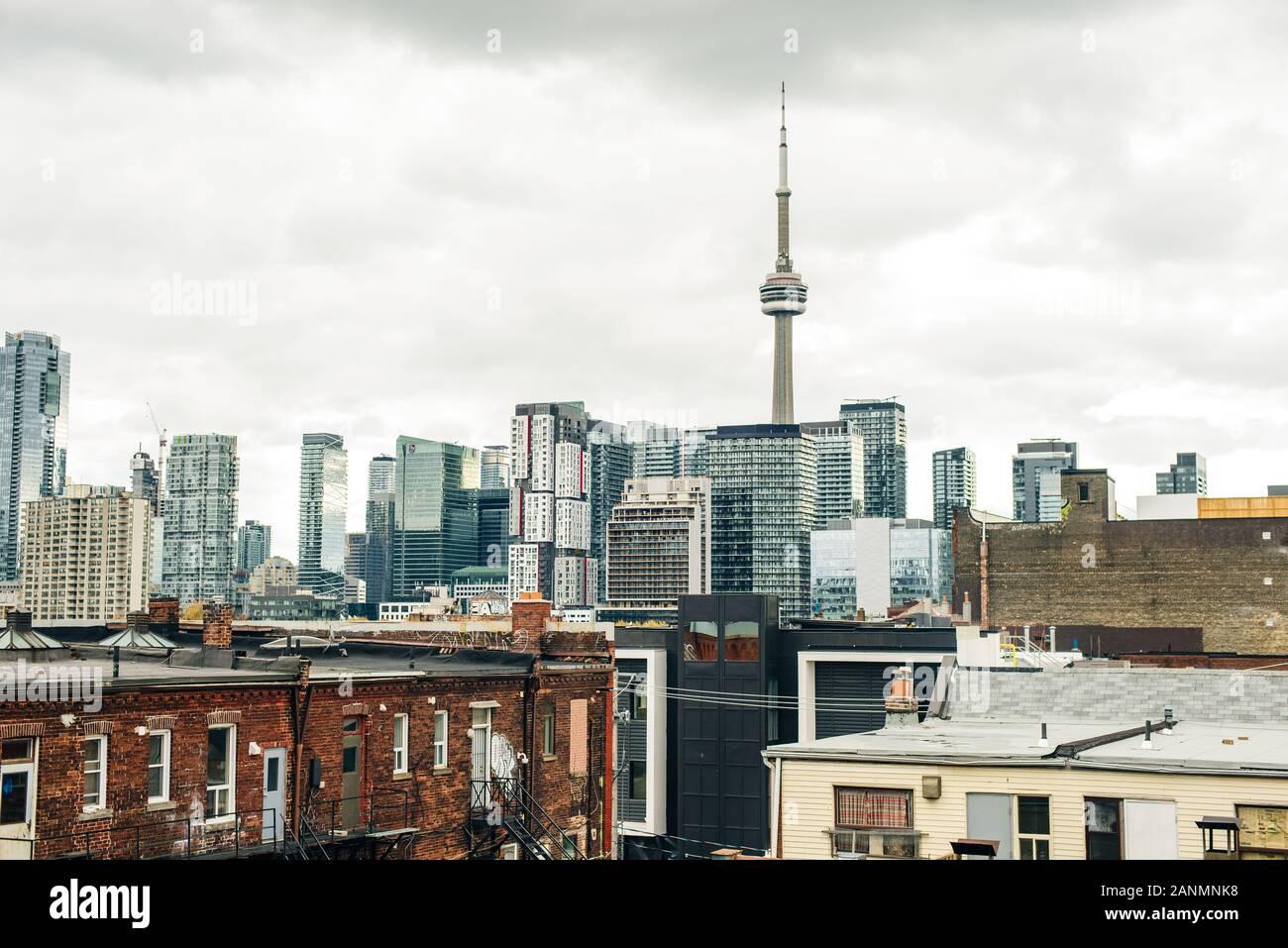 Abendlicher Blick aus einem Hochhaus von Toronto Financial District Wolkenkratzer Stockfoto