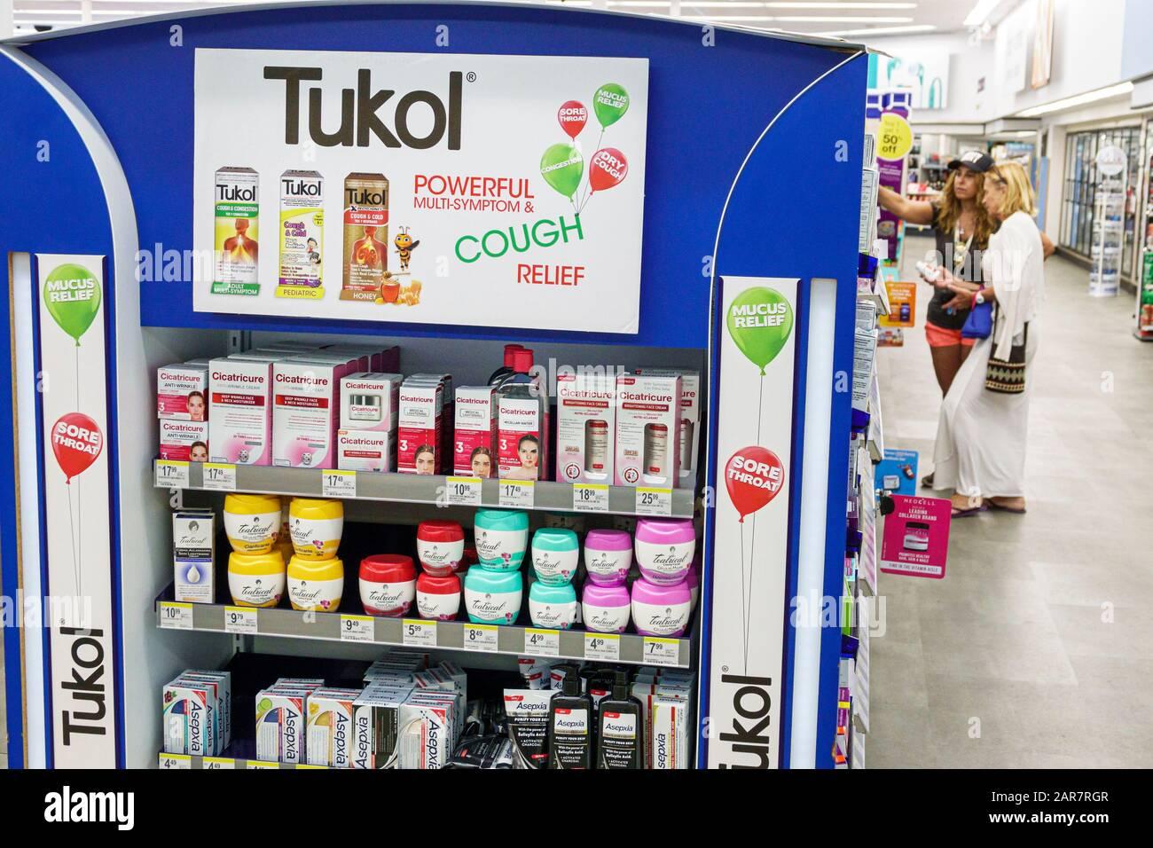 Florida Miami Beach Walgreens Hustenentlastung OTC über dem Ladenverkauf der Tukol-Arznei Stockfoto