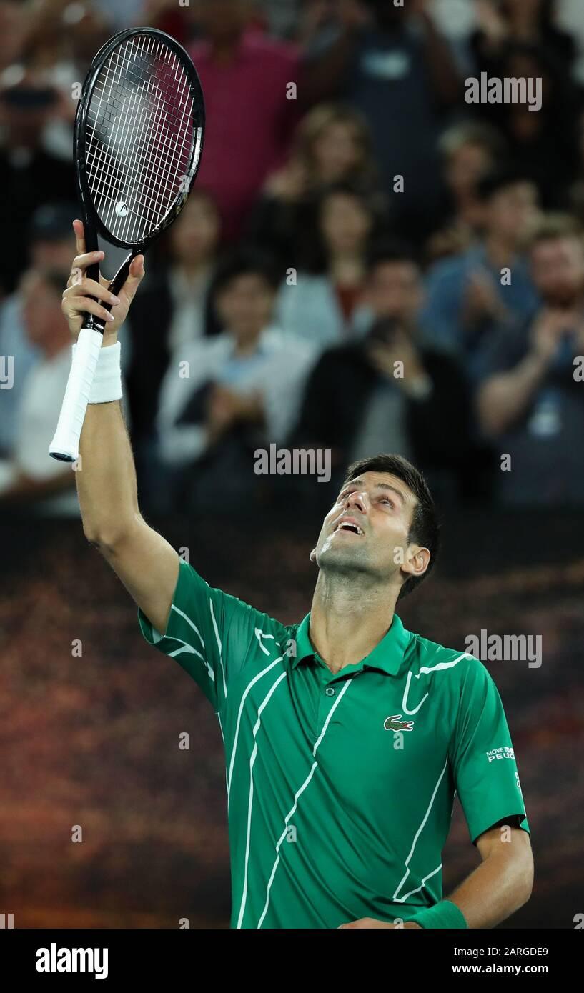 Melbourne, Australien. Januar 2020. Novak Djokovic aus Serbien feiert nach dem Viertelfinalspiel im Herreneinzel gegen Milos Raonic aus Kanada bei der Tennismeisterschaft der Australian Open in Melbourne, Australien am 28. Januar 2020. Kredit: Bai Xuefei/Xinhua/Alamy Live News Stockfoto
