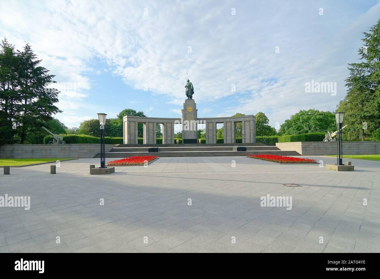 Das Denkmal des sowjetischen Krieges ist ein von der Sowjetunion errichtetes Denkmal zur Erinnerung an die Toten des Krieges, insbesondere an die 80000 Soldaten der sowjetischen Streitkräfte. Stockfoto