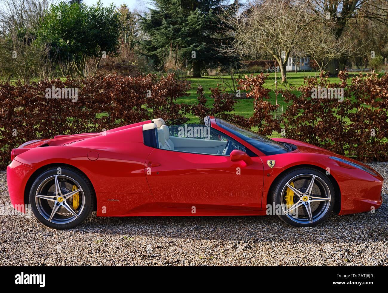 Ferrari 458 Spider Stockfotos Und Bilder Kaufen Alamy