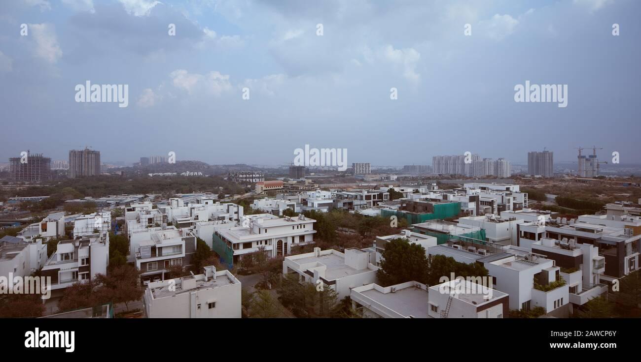 Ein panormischer Blick auf den Finanzbezirk in Hyderabad, Indien Stockfoto