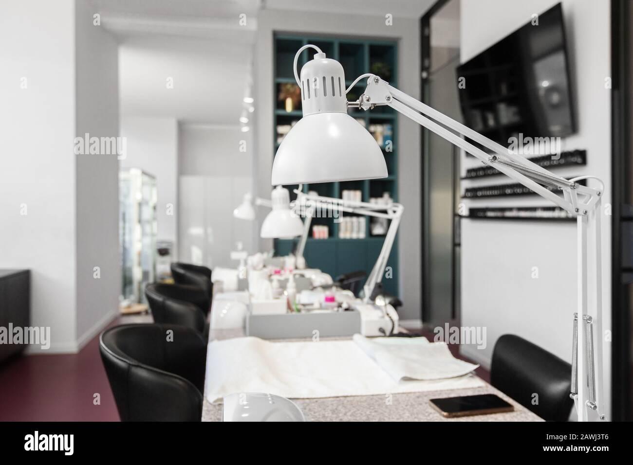 Nagelstudio Dekor Stockfotos Und Bilder Kaufen Alamy
