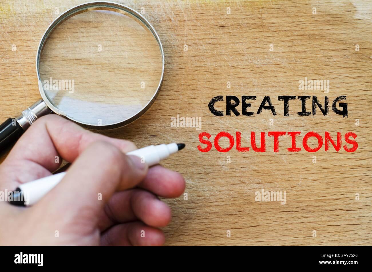Erstellen von Lösungen text Konzept Stockfoto