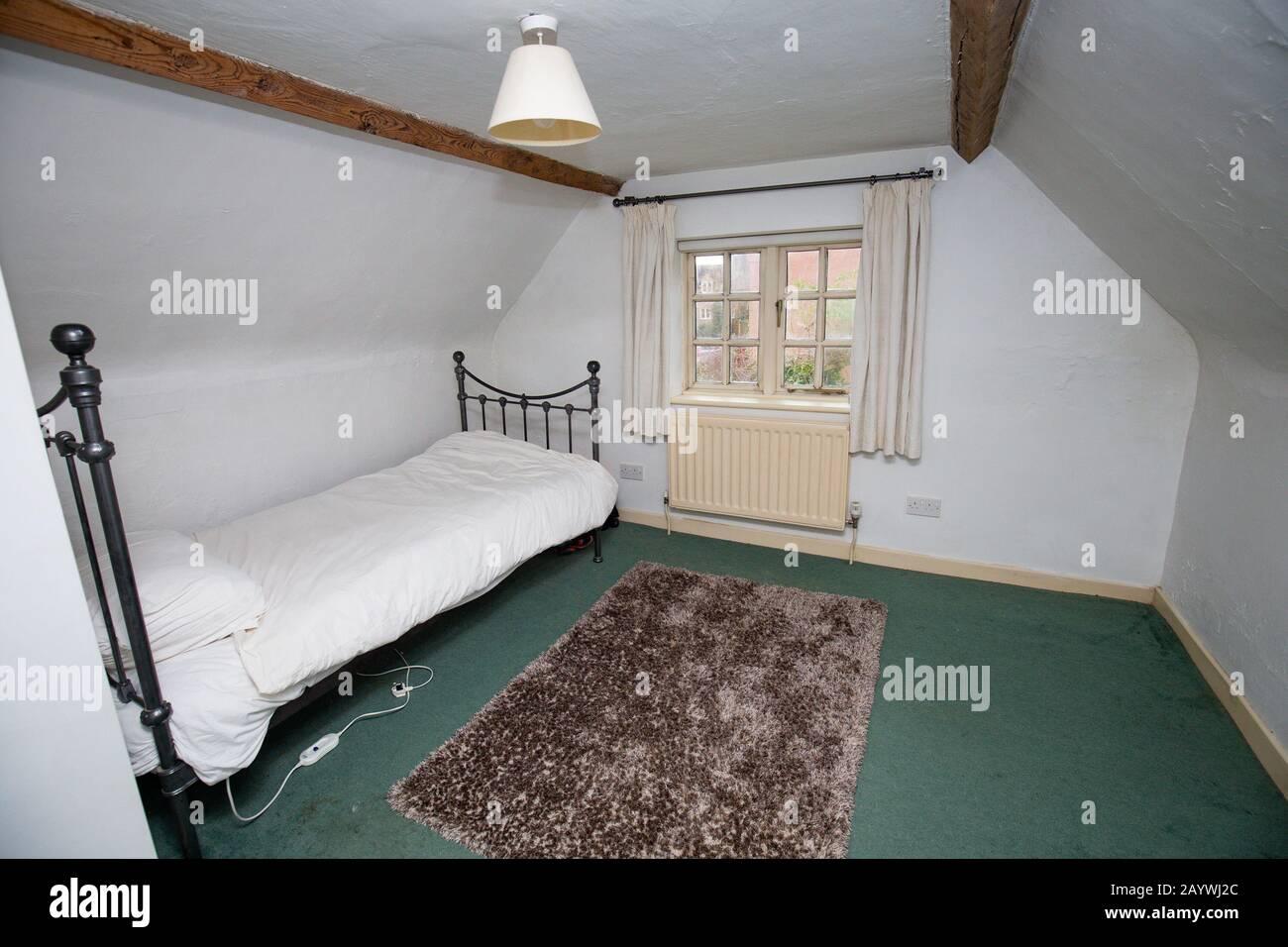 Vier Schlafzimmer Stockfotos Und Bilder Kaufen Alamy