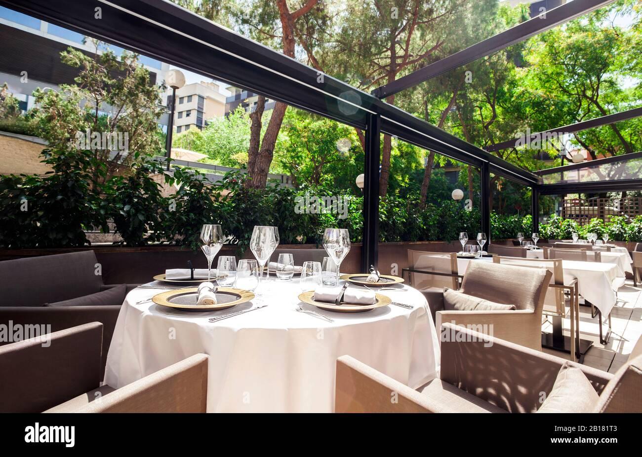 Elegante Terrasse im Restaurant Stockfotografie   Alamy
