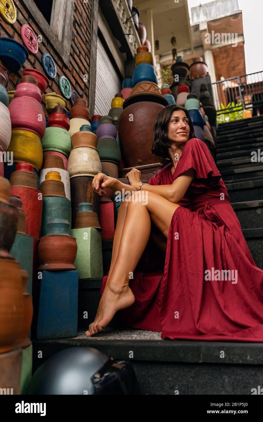 Positiv erfreute sich der Besuch internationaler Mädchen auf dem lokalen Markt Stockfoto