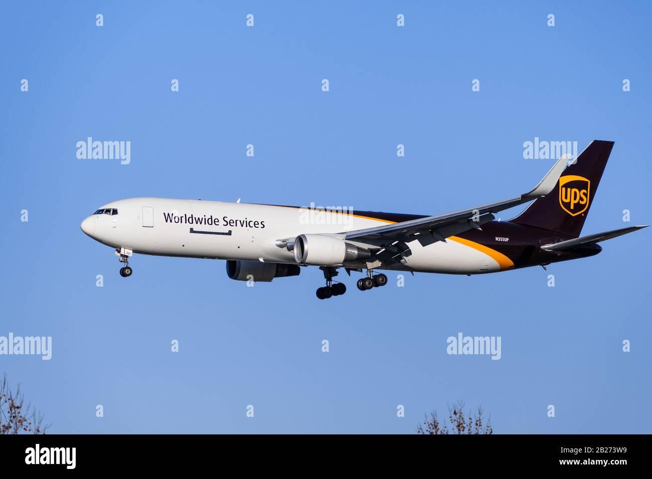 UPS Airlines erhält 25. neue Boeing 747   FLUG REVUE   956x1300