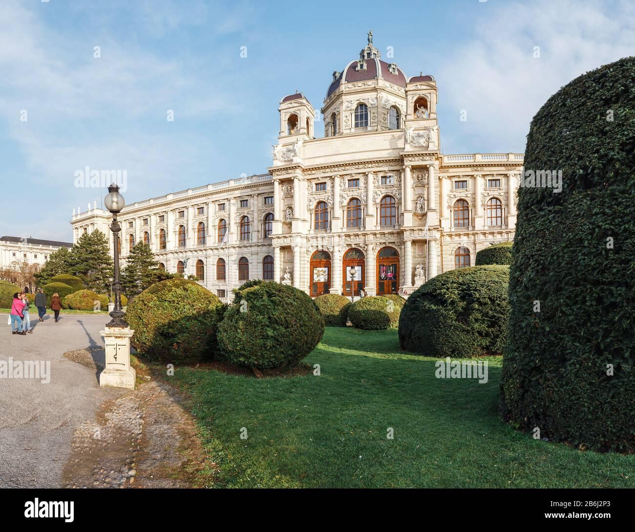 24. MÄRZ 2017, WIEN, ÖSTERREICH: Panoramaaussicht auf das Museum für Geschichte Der Schönen Künste in Wien, eine der berühmtesten Kunstgalerien der Welt Stockfoto