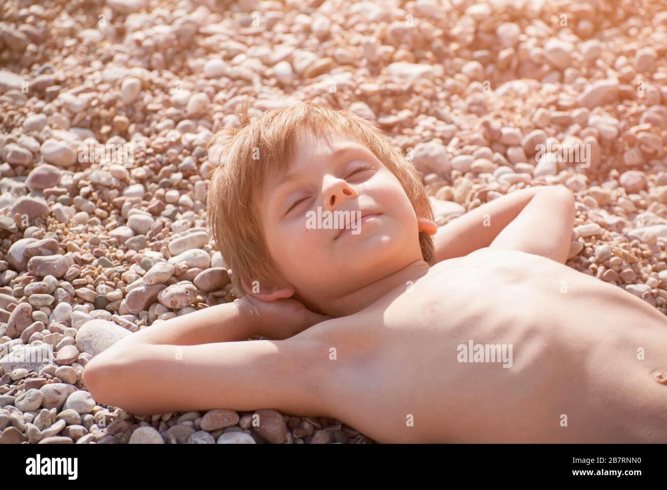 Jungs am strand kleine Doktorspiele mit