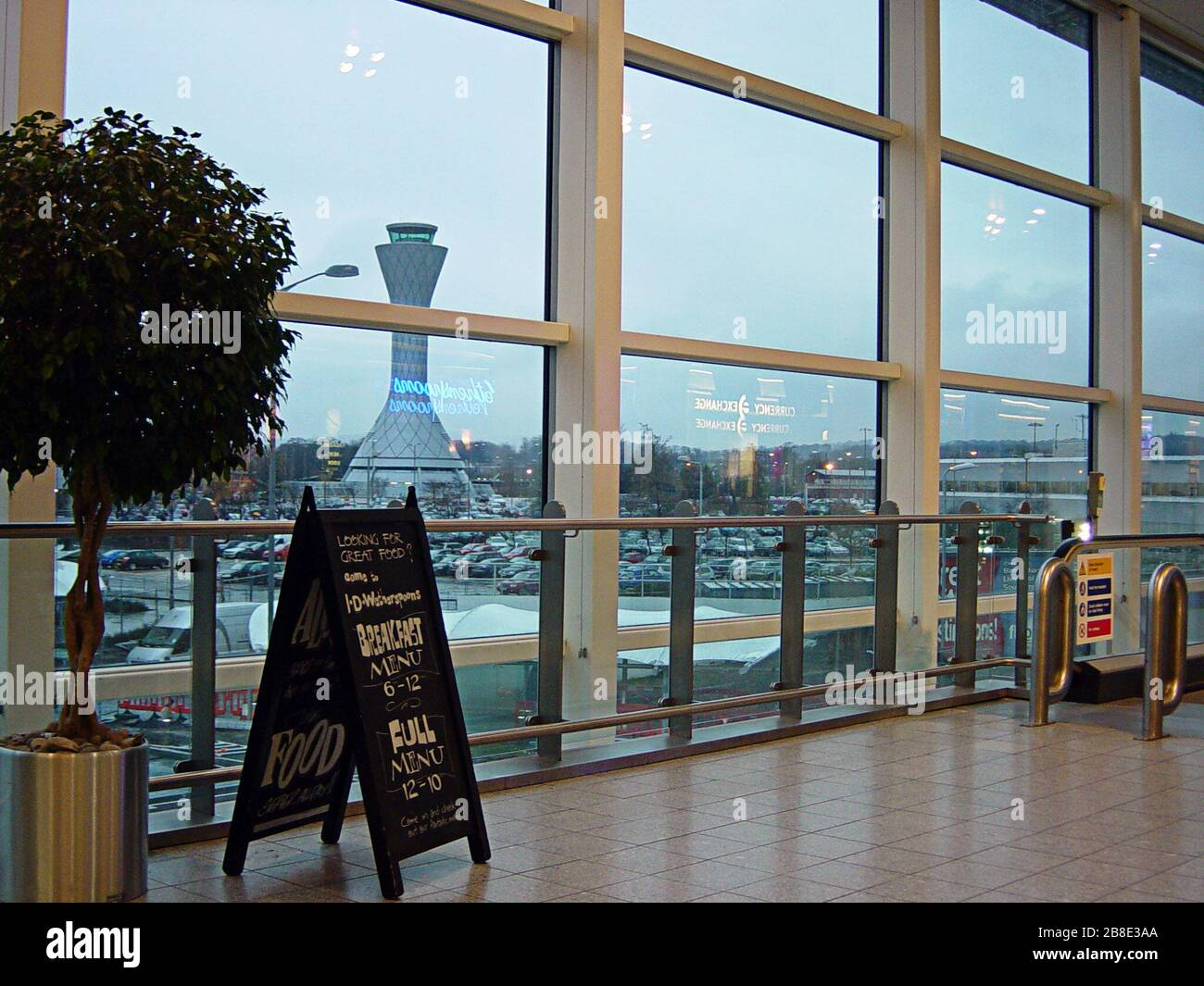 Shopping Outlets Stockfotos & Shopping Outlets Bilder Alamy