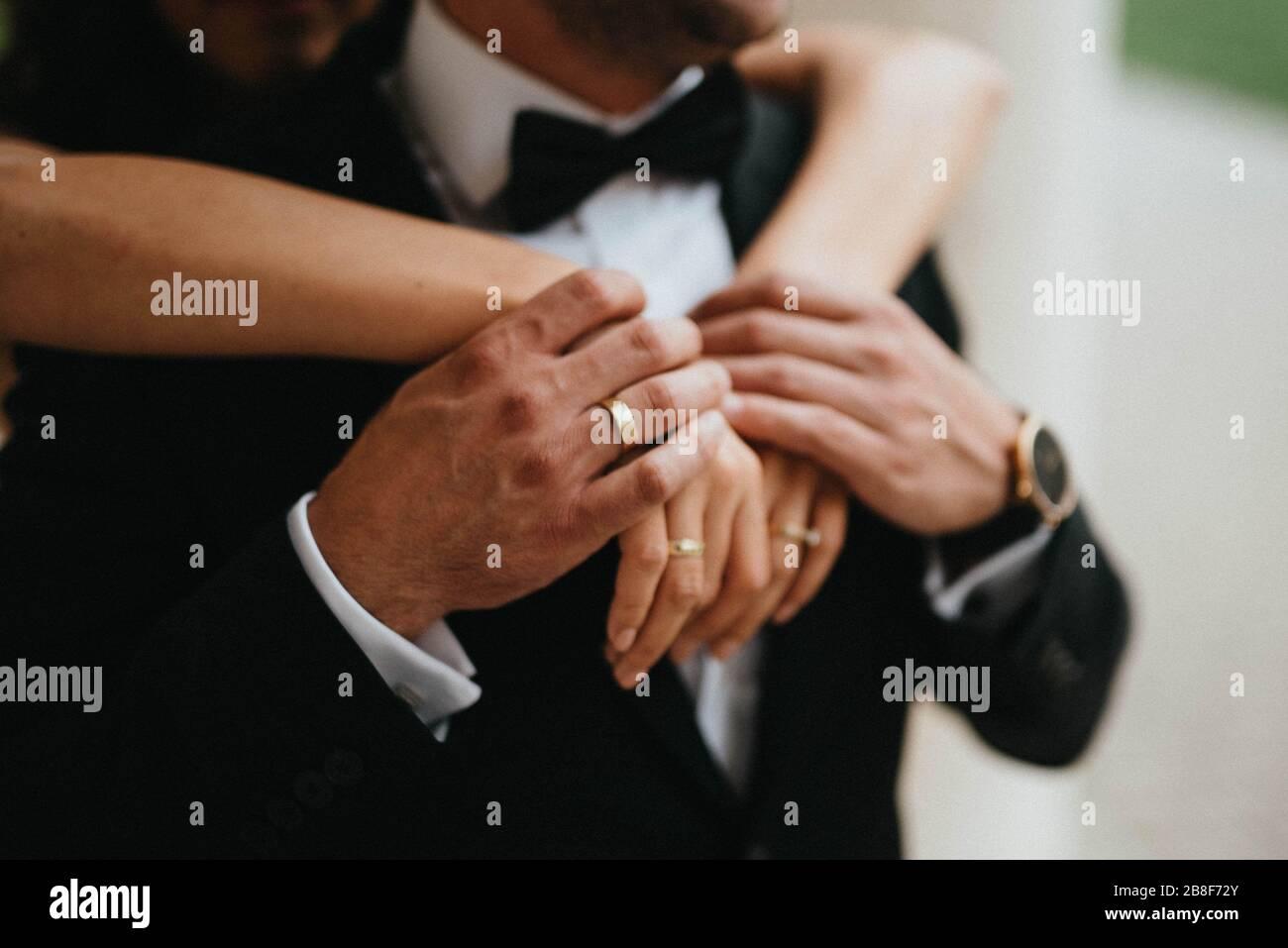 Ein schönes Paar an ihrem Hochzeitstag. Braut und Bräutigam Stockfoto