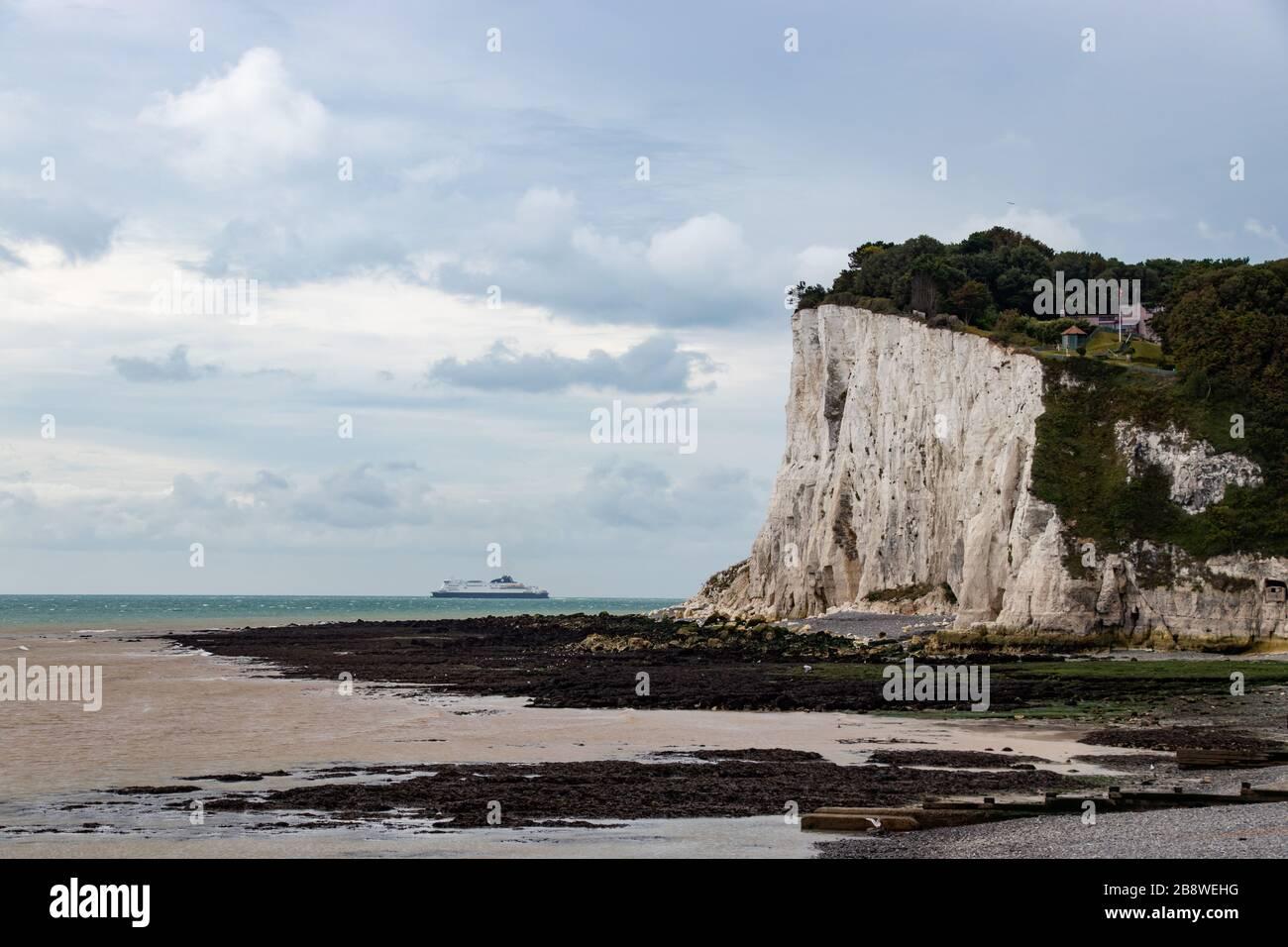 Blick auf die weißen Klippen von Dover in Großbritannien, Großbritannien, Großbritannien Stockfoto