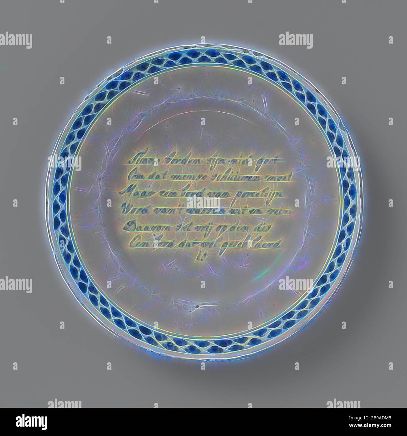 Teller mit einem Vers gemalt: Tinne Platten sind nicht gut // weil die Menschen müssen Schuppen ... Eine Platte, die gemalt ist // Platte der Fayence. Blau mit einem Vers und einem dekorierten Rand. Der Vers lautet: Tinne Platten sind nicht gut // weil die Leute zu werfen haben // aber eine Platte aus Porzellan // weiß und sauber geworden // Deshalb ist es auf der Scheibe frei gesetzt // EINE Platte, die gemalt // ist., anonym, Delft, c. 1740 - c. 1755, d 22.5 cm, neu gestaltet von Gibon, Design von warmen fröhlichen Leuchten von Helligkeit und Lichtstrahlen Ausstrahlung. Klassische Kunst neu erfunden mit einem modernen Twist. Fotografie inspiriert von Fut Stockfoto