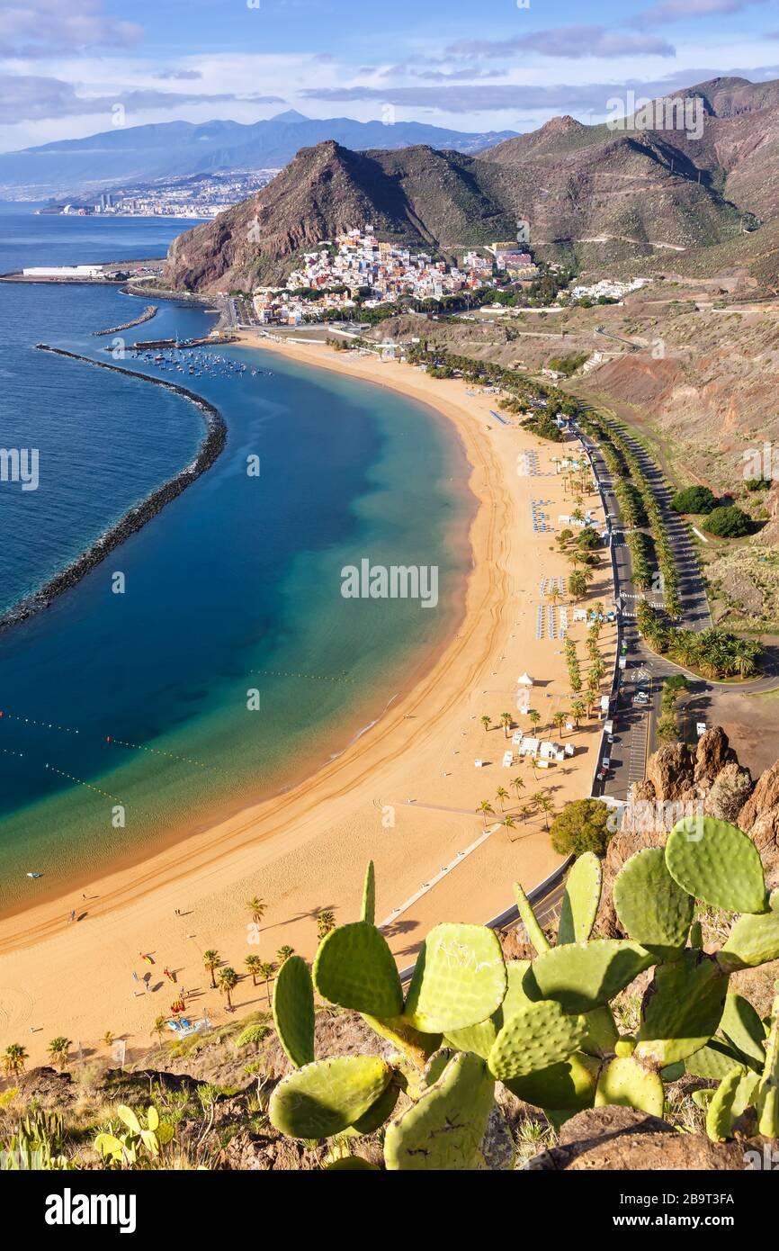 Strand von Tenera Teresitas Kanarische Inseln Meerwasserreise Reisen Portrait Format Atlantik Natur Stockfoto
