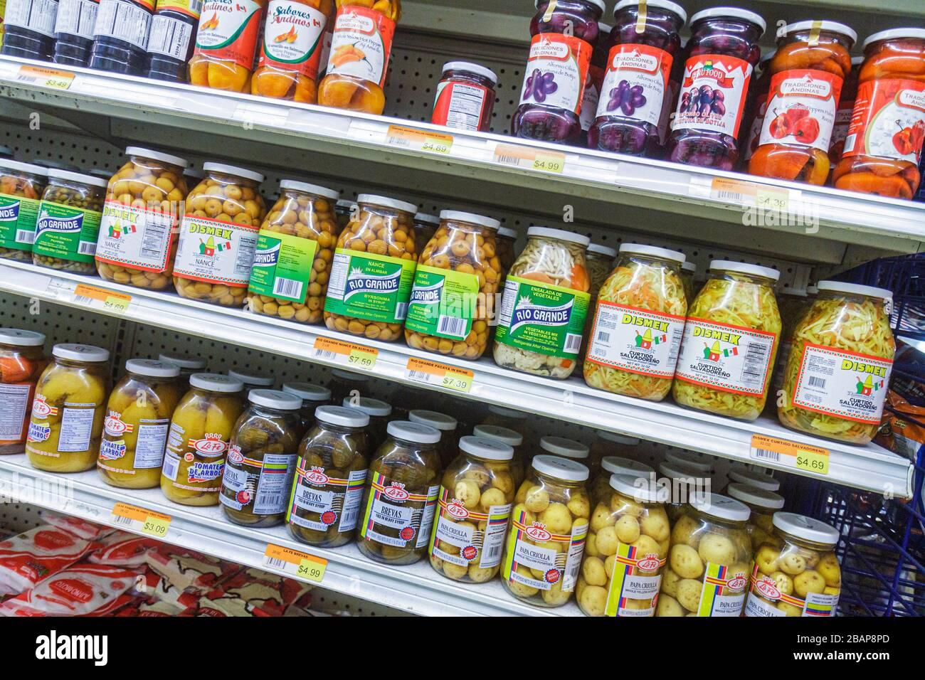Miami Beach Florida Alton Road lateinischen Lebensmittelgeschäft Geschäft Regal Regale Einzelhandel zum Verkauf konkurrierende Marken Flaschen Spani Stockfoto