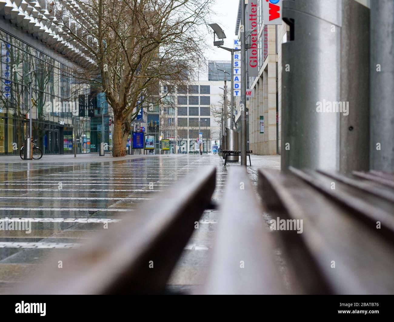 Blick in die Prager Straße ohne Menschenaufspassage Stockfoto