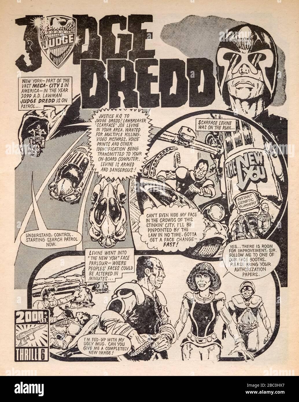 Frühe Kopie (Nr. 3) von '2000 A.D.', dem beliebten britischen wöchentlichen Science-Fiction-Comic aus den 1970er Jahren mit Richter Dredd und Dan Dare (12. März 1977) Stockfoto