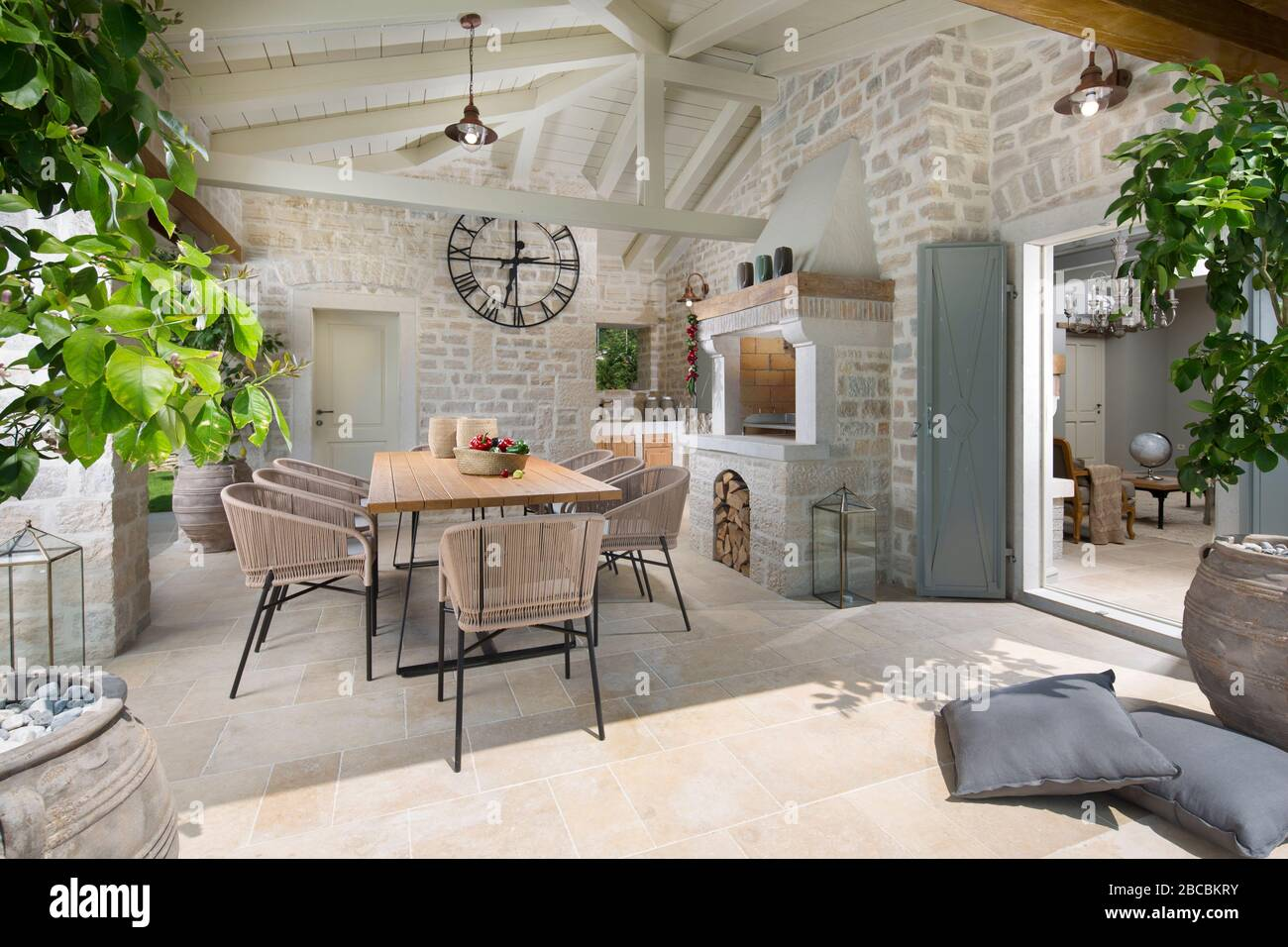Überdachte Terrasse Stockfotos und  bilder Kaufen   Alamy