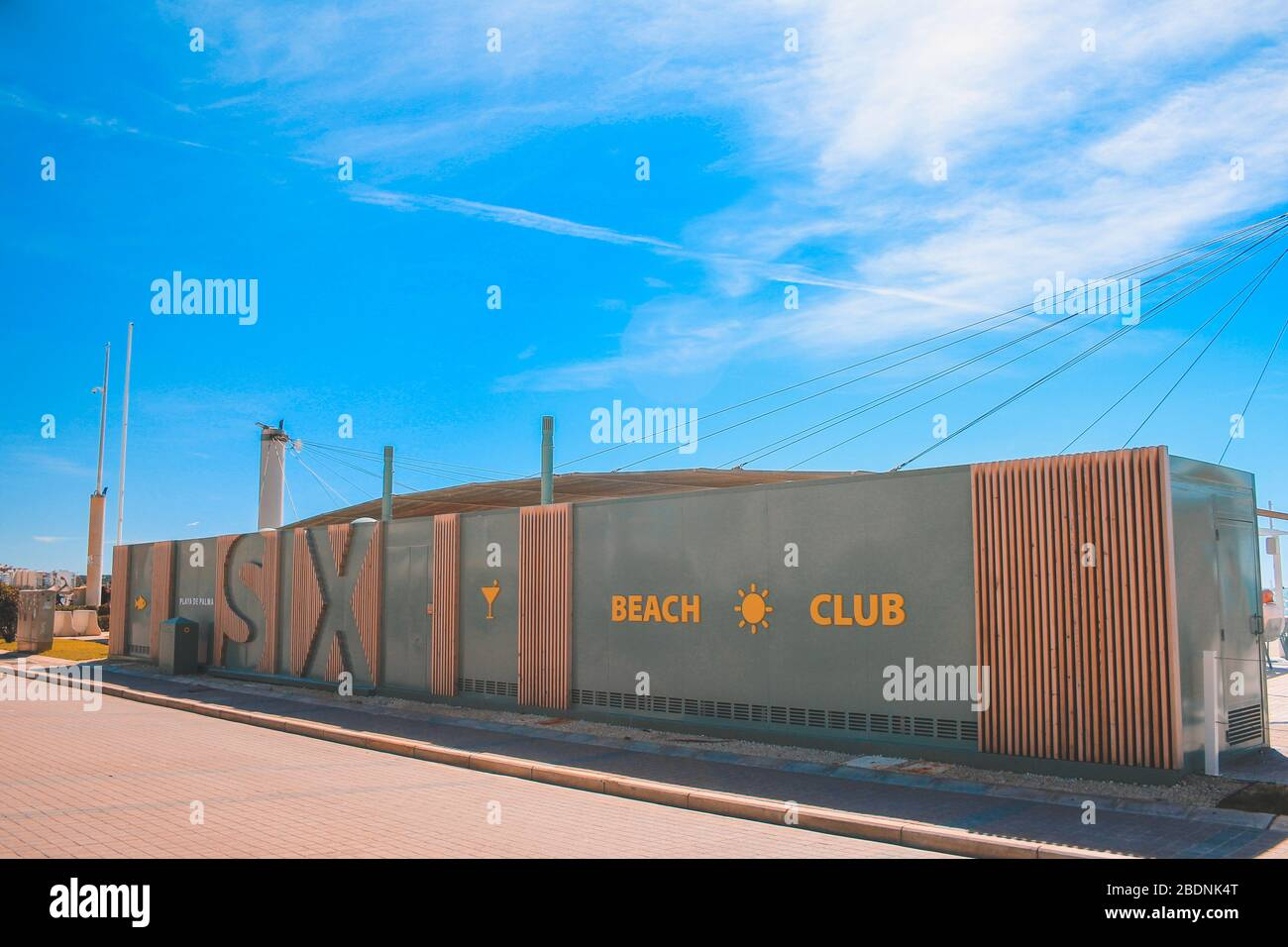 Mallorca, Spanien - März 27 2018: El Arenal Promenade mit der berühmten Ballermann 6 Strandbar Stockfoto