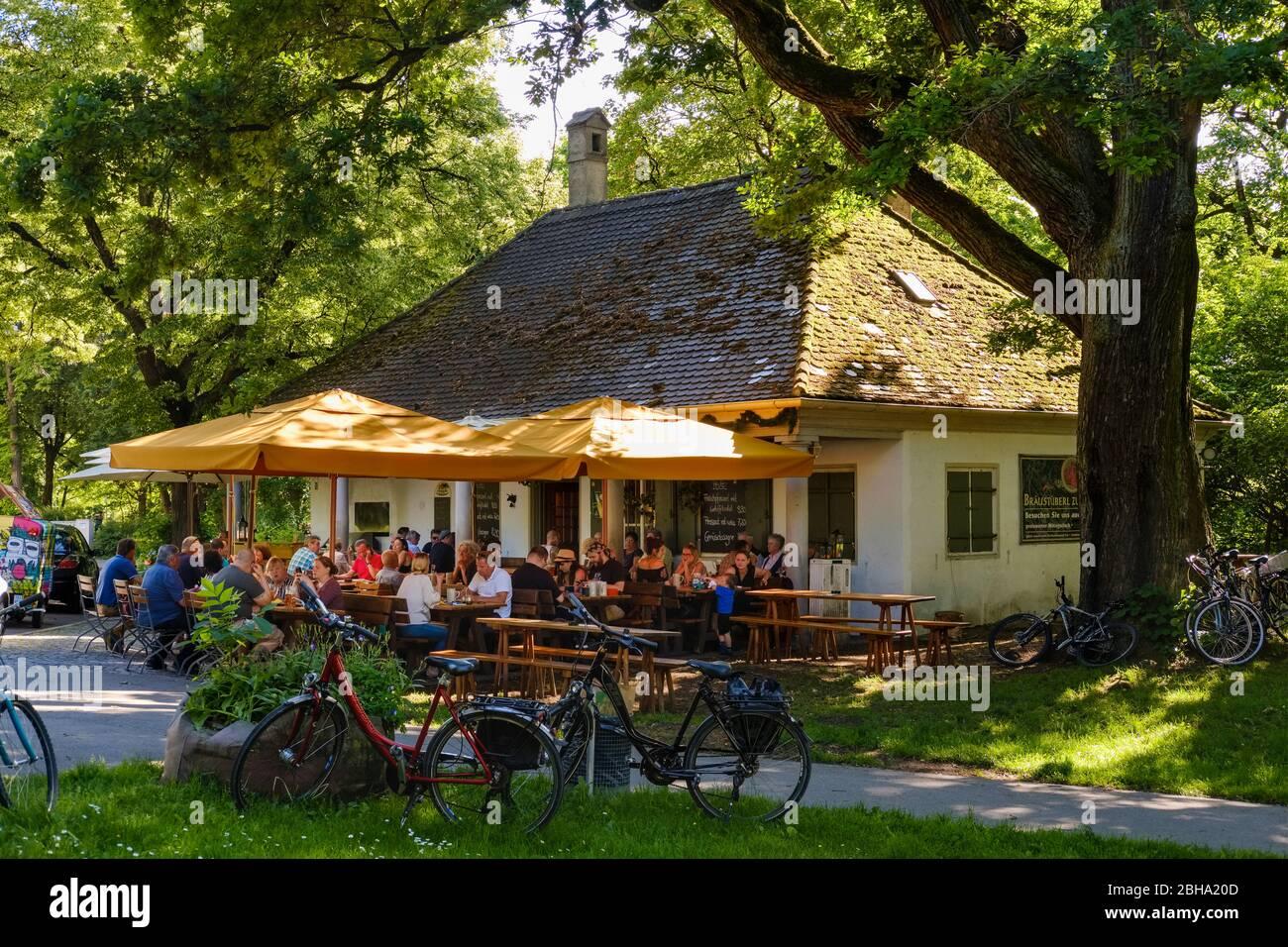 Biergarten Bayern Stockfotos Und Bilder Kaufen Alamy