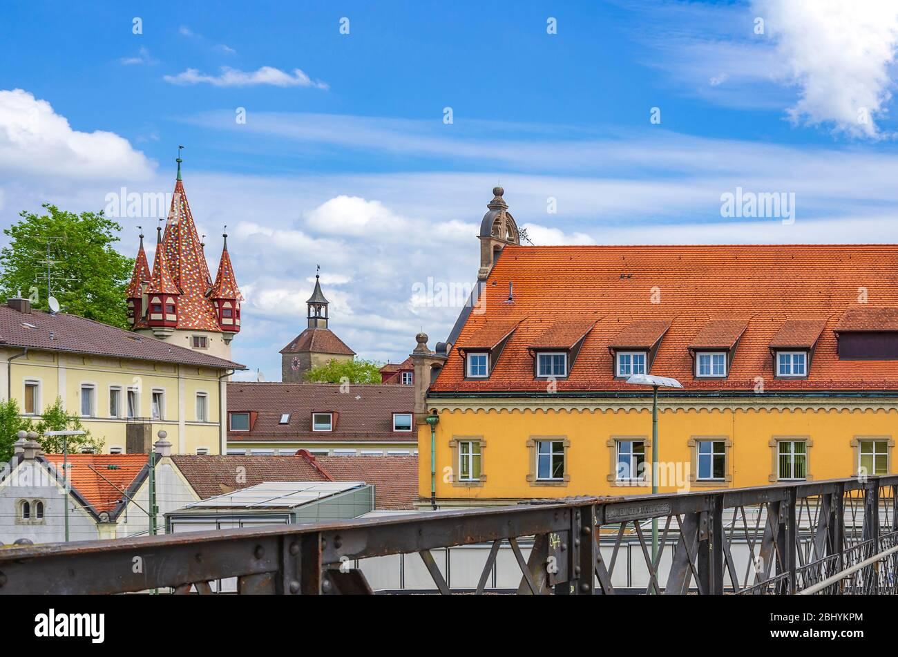 Der Diebe-Turm und das neue Kunstmuseum im ehemaligen Hauptpostamt Lindau am Bodensee, Bayern, Deutschland, Europa. The Diebsturm and the new Stockfoto
