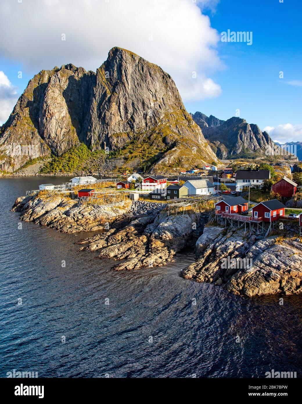 Das Dorf von Hamnoy auf der Insel Moskenesoya, Lofoten, Norwegen. Stockfoto